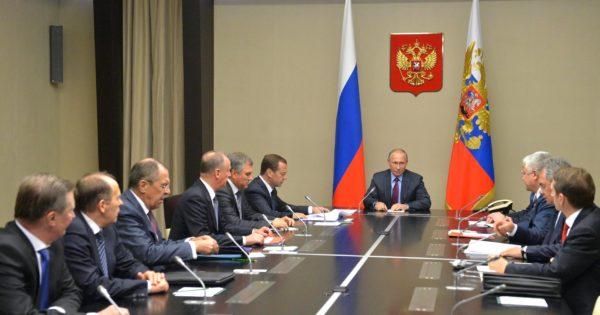 Президент РФ обсудил с Советом безопасности предстоящие переговоры в Астане